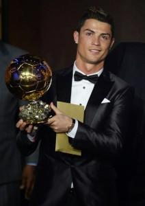 Cristiano-Ronaldo-Dsquared2-Tuxedo-2